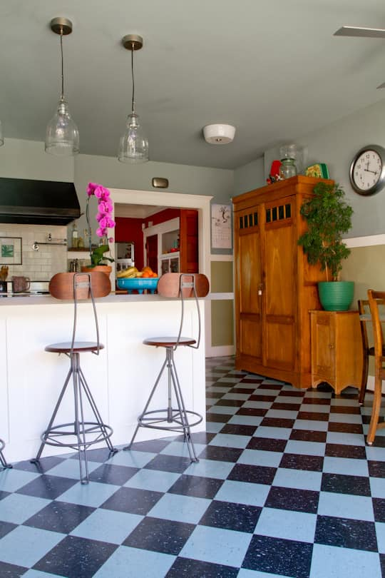 Annette & Gustavo's Homey & Delightful California Craftsman Kitchen: gallery image 19