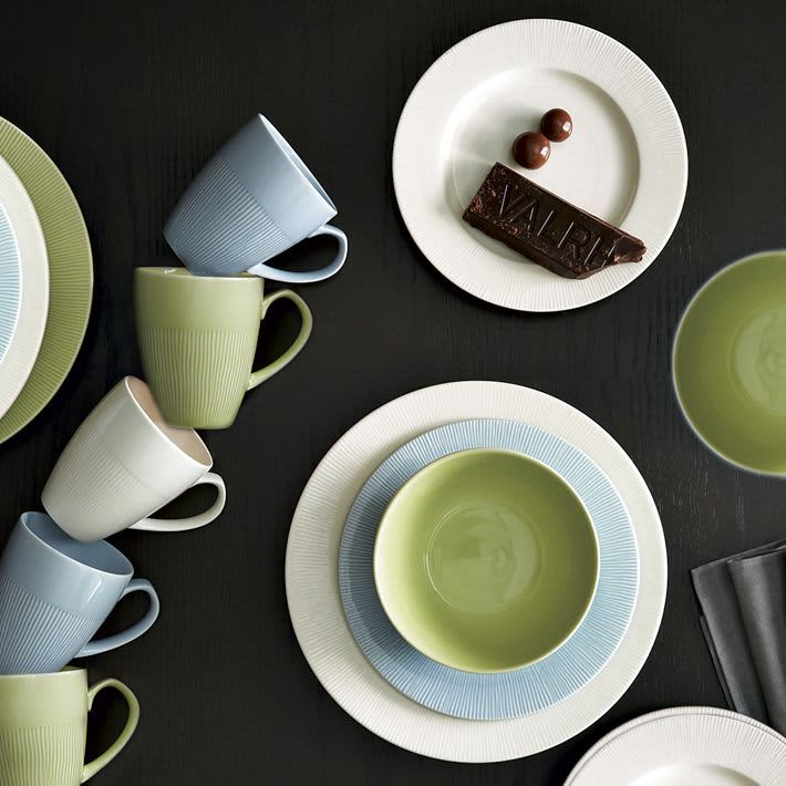 10 Sources for Colorful Dinnerware: gallery image 6