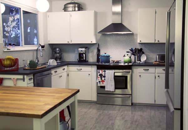 Maria's Smart $6100 Kitchen Facelift: gallery image 1