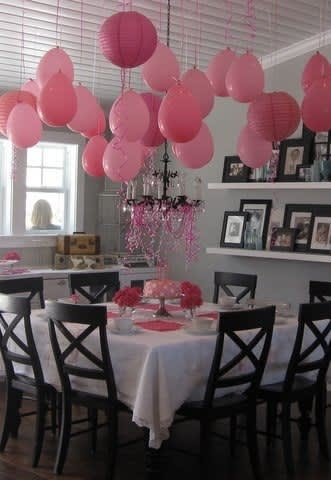 Instant Party! 3 Ways to Decorate with Balloons—No Helium Necessary: gallery image 2