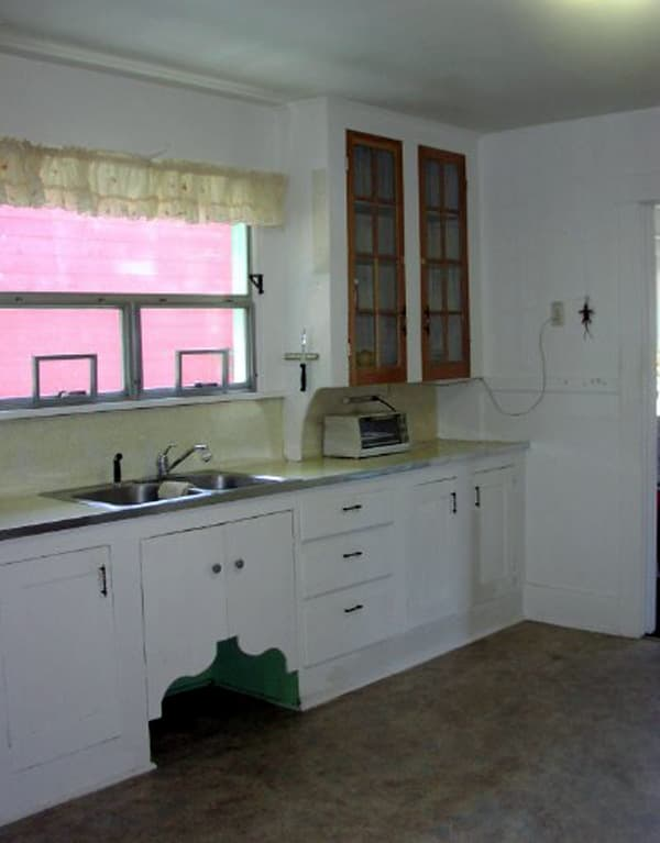A Microwave in the Cupboard: gallery image 3
