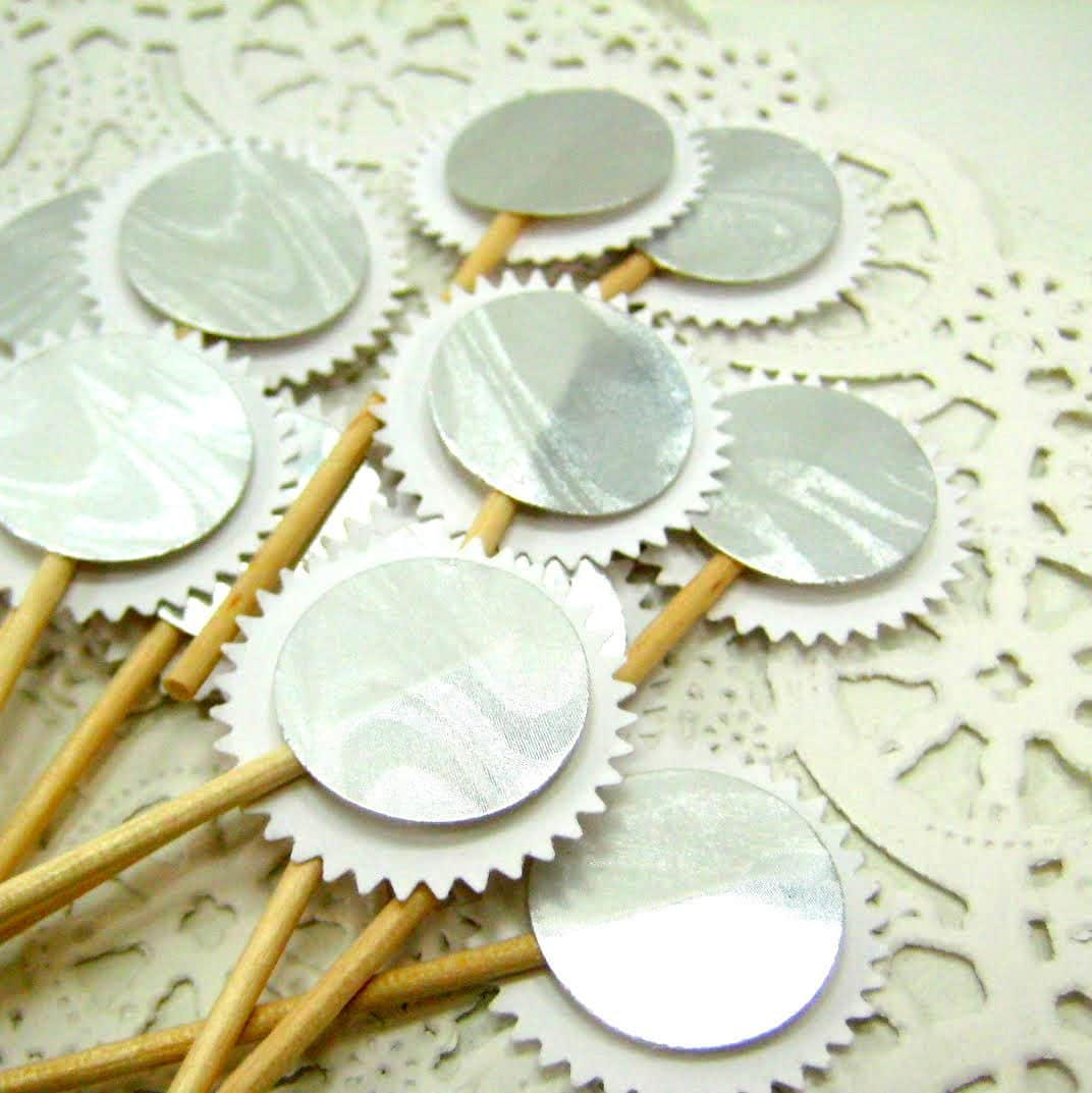 10 Pretty Party Toothpicks to Buy or DIY: gallery image 8