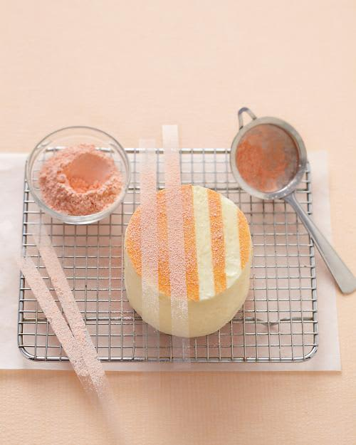Easy Cake Decorating: 4 Ideas for a Pretty Party Dessert: gallery image 4