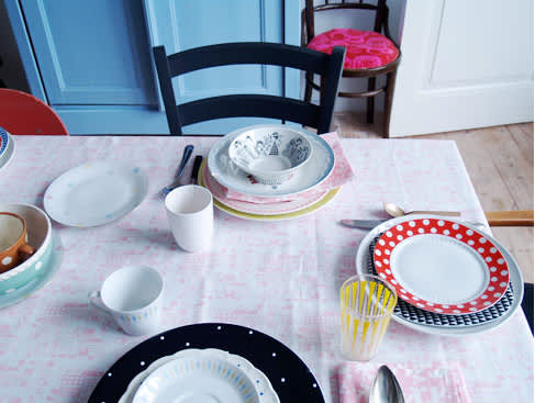 A Good Idea: Coordinating Tablecloth and Napkin Sets from Tas-Ka: gallery image 4
