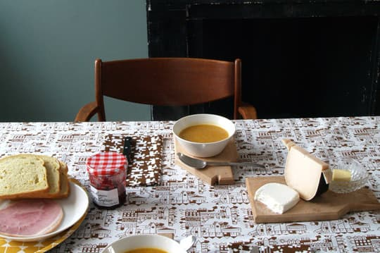 A Good Idea: Coordinating Tablecloth and Napkin Sets from Tas-Ka: gallery image 3