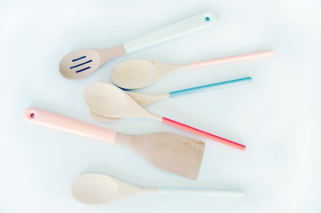 Colorful Dip-Dyed and Paint-Dipped Tableware: 10 Items to Make or Buy: gallery image 1