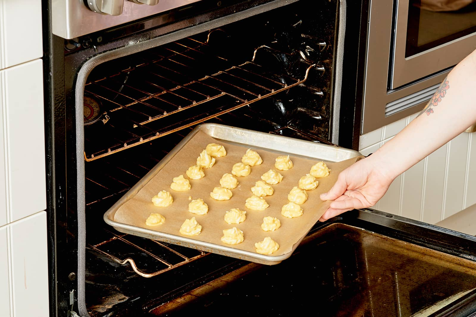 How To Make Cheese Gougères: gallery image 8