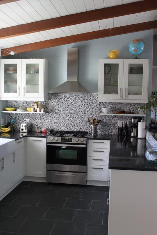Real People, Real Kitchens: 15 Small Cool Kitchens You Won't Want to Miss: gallery image 11