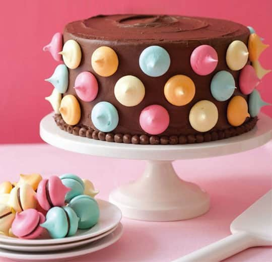 Easy Cake Decorating: 4 Ideas for a Pretty Party Dessert: gallery image 1