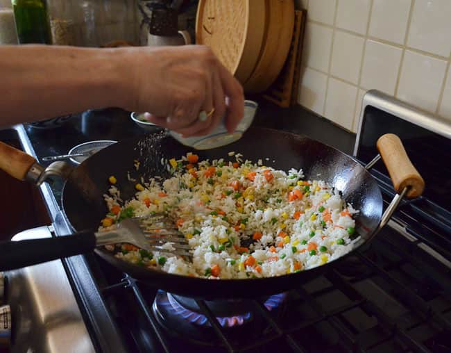 How To Make Fried Rice: gallery image 11