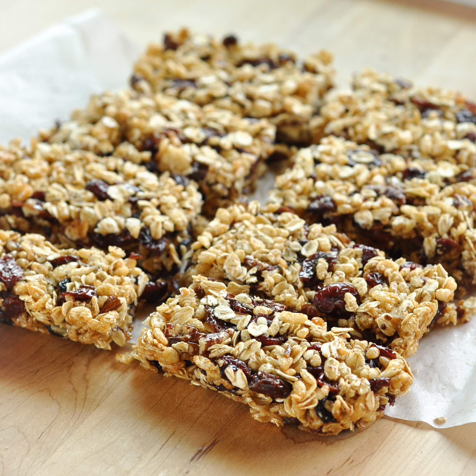How To Make Granola Bars at Home: gallery image 1