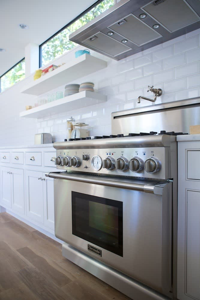 Jeanine & Jack's Zesty White Kitchen: gallery image 12