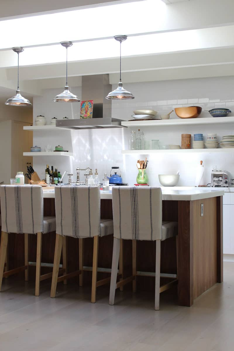10 Kitchens Without Upper Cabinets: gallery image 31