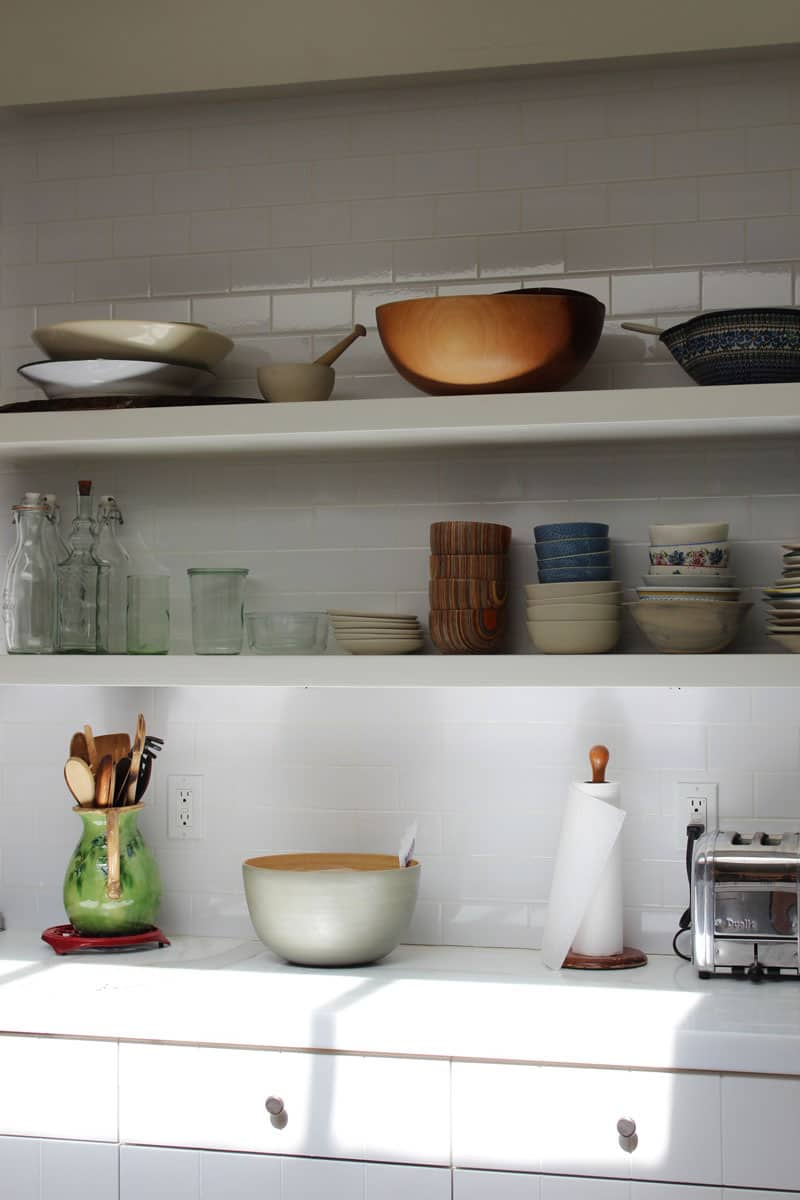 10 Kitchens Without Upper Cabinets: gallery image 24