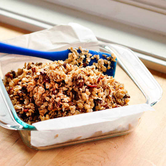 How To Make Granola Bars at Home: gallery image 5