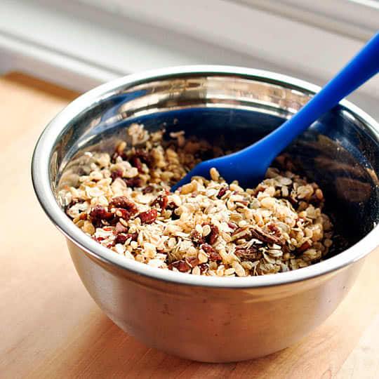 How To Make Granola Bars at Home: gallery image 3