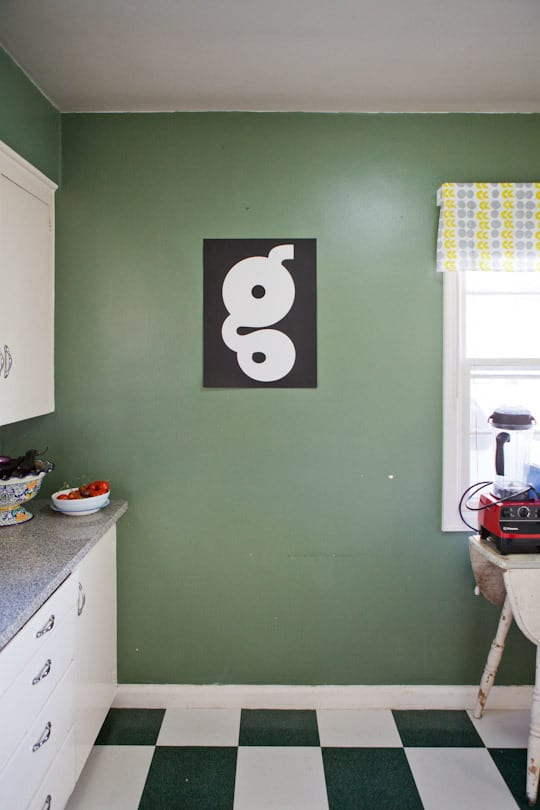 Garden Writer Willi Galloway's Resourceful, Reclaimed Rental Kitchen: gallery image 8