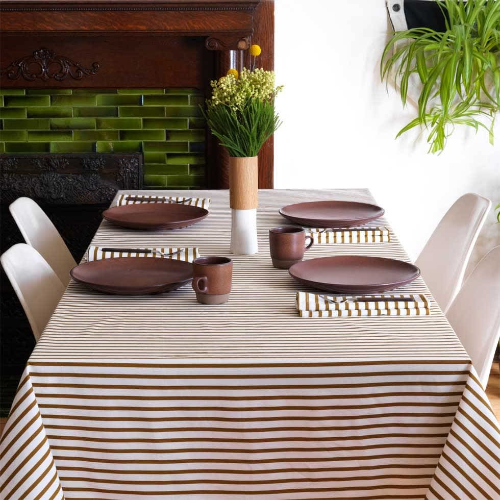 5 Tablecloths For Holiday Entertaining: gallery image 4