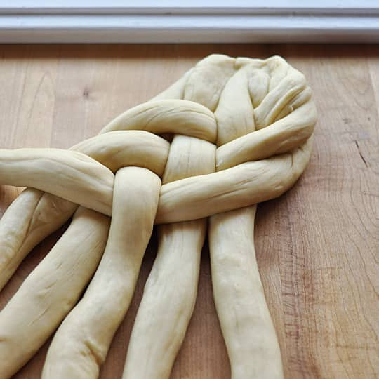 How To Make Challah Bread: gallery image 12
