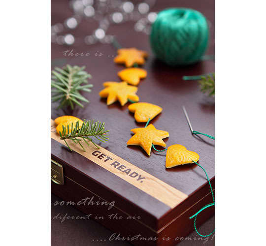 Naturally Festive: Holiday Decorating with Oranges and Clementines: gallery image 5