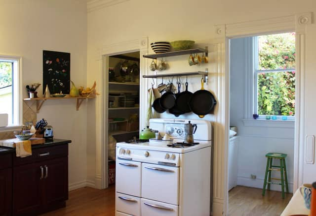Rachel & Jonathan's Warm, Cozy Kitchen: gallery image 2