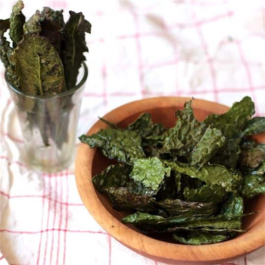 How To Make Quick & Easy Kale Chips: gallery image 1