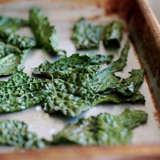 How To Make Quick & Easy Kale Chips: gallery image 10