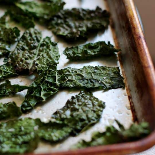 How To Make Quick & Easy Kale Chips: gallery image 12