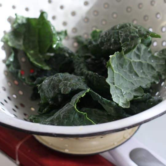 How To Make Quick & Easy Kale Chips: gallery image 7