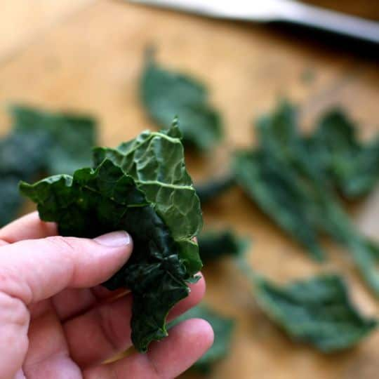 How To Make Quick & Easy Kale Chips: gallery image 5