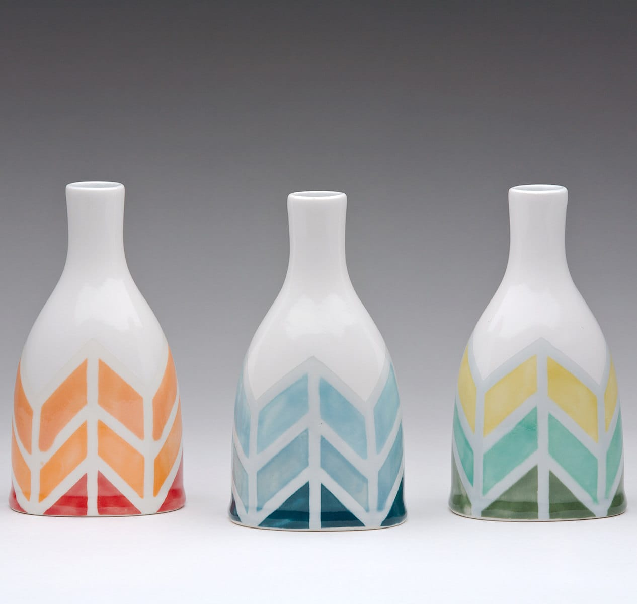 Flowers in the Kitchen: 10 Pretty Vases: gallery image 1