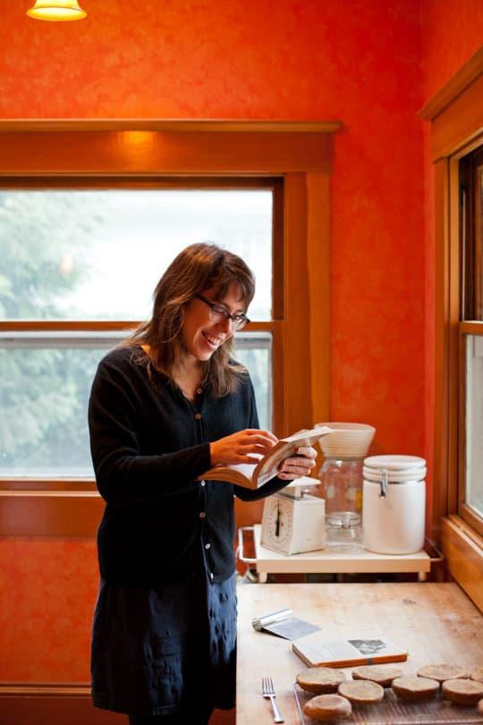 Lola's Homemade Orange Kitchen: gallery image 6