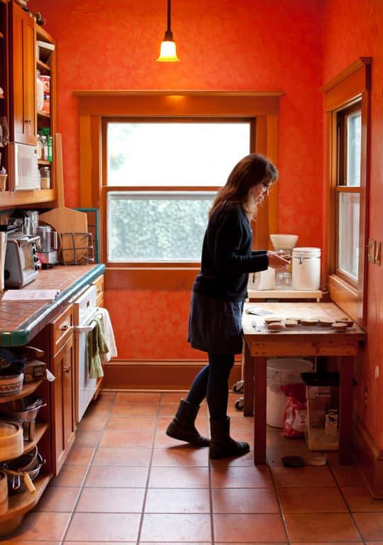 Lola's Homemade Orange Kitchen: gallery image 1