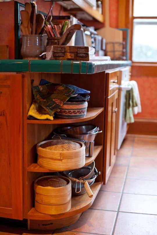 Lola's Homemade Orange Kitchen: gallery image 17