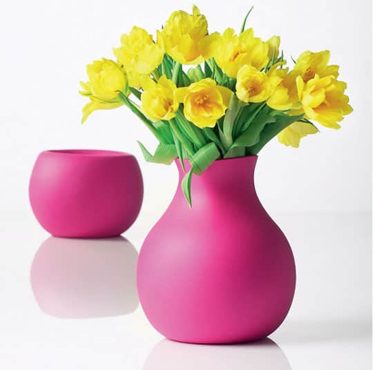 Flowers in the Kitchen: 10 Pretty Vases: gallery image 7