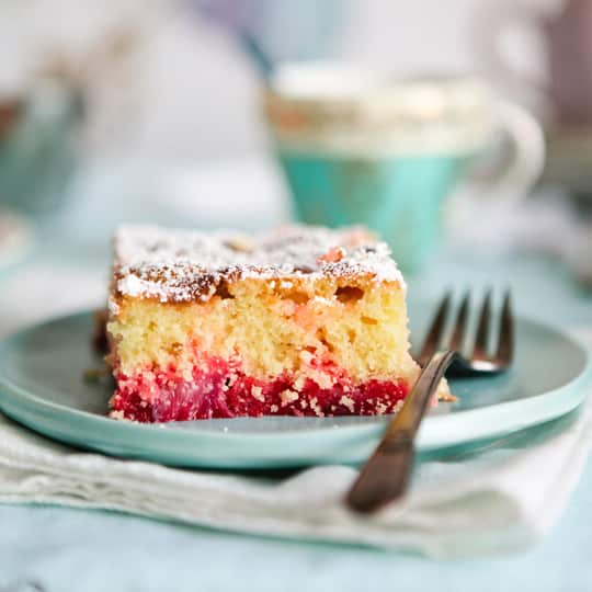 15 Knock-Out Desserts for a Spring Table