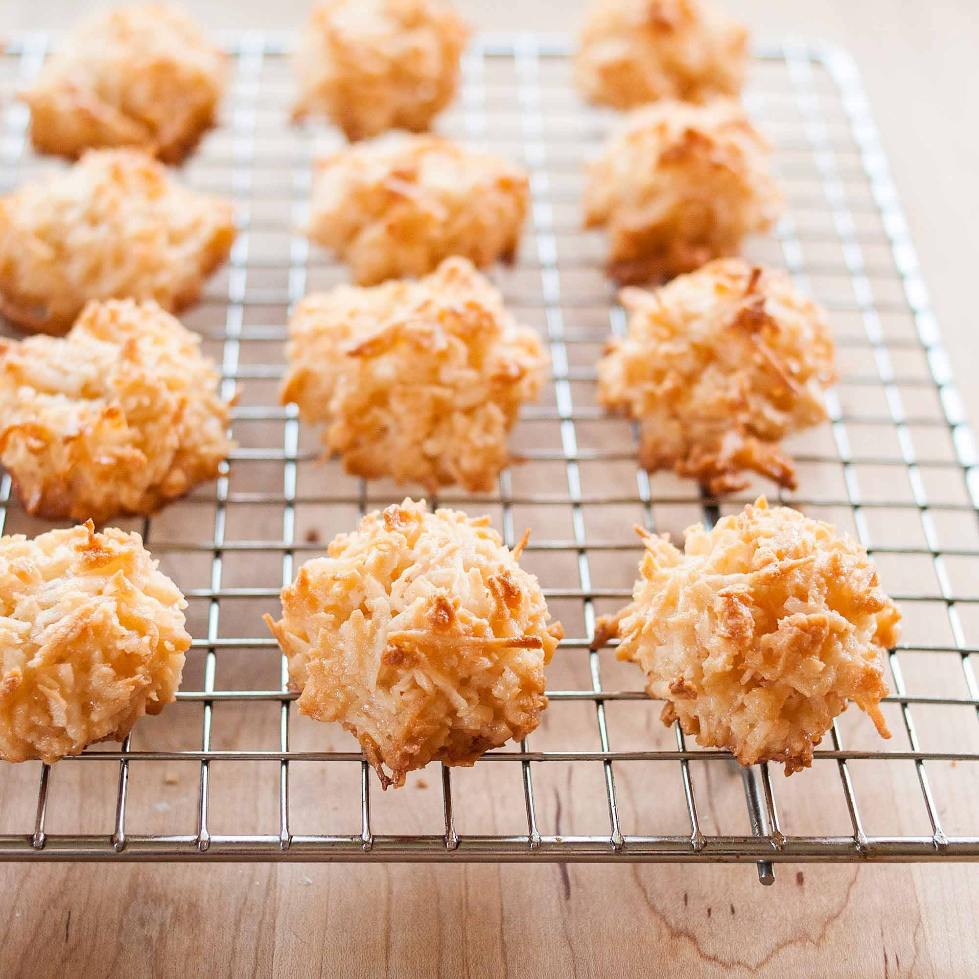 How To Make the Best Coconut Macaroons: gallery image 1