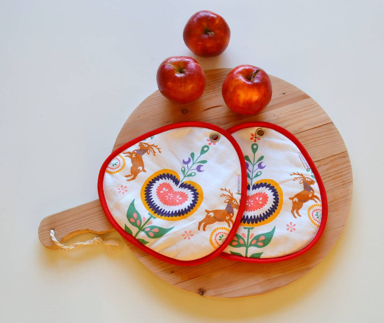 Red Stitch: Super Cute Handmade Potholders from Holland: gallery image 6