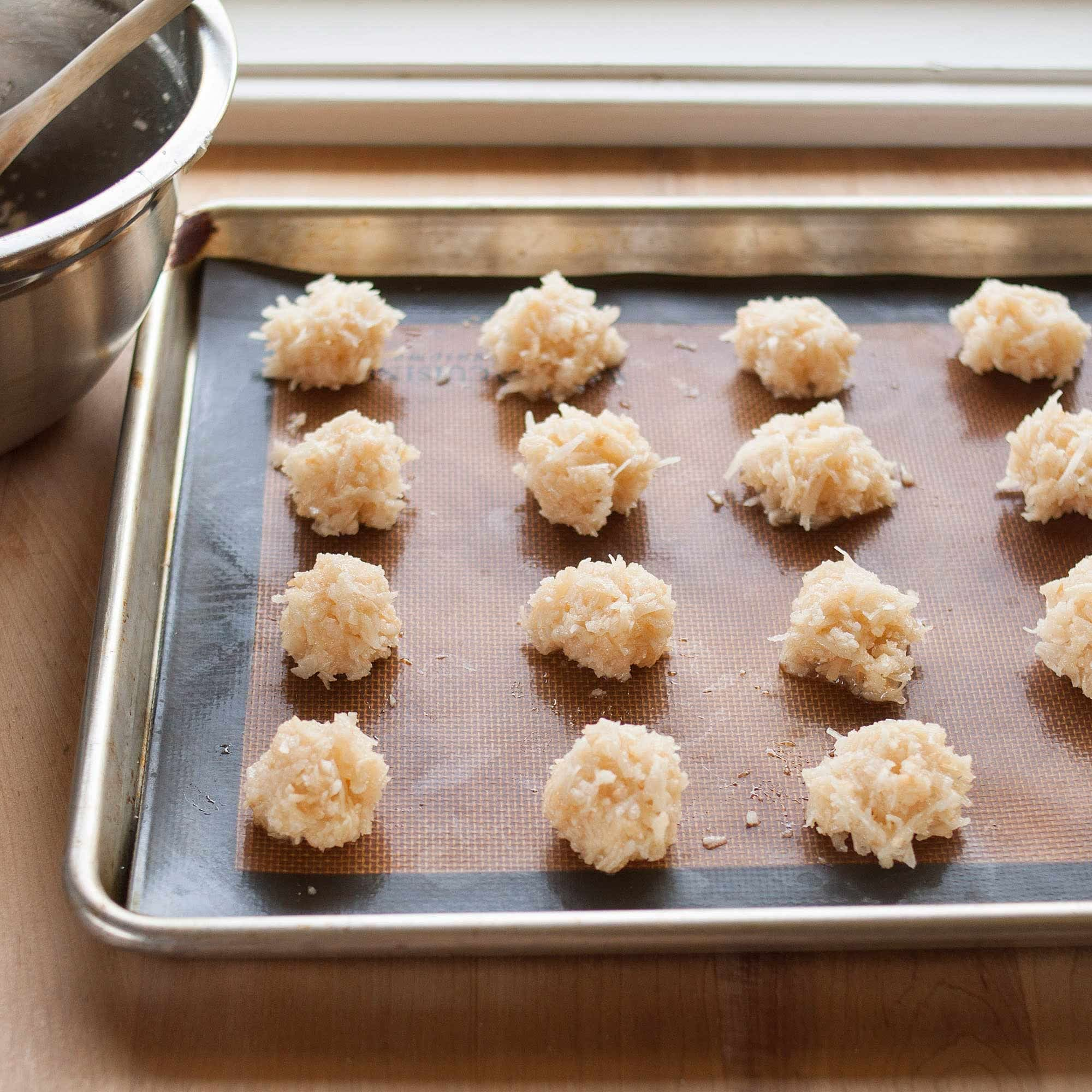 How To Make the Best Coconut Macaroons: gallery image 9
