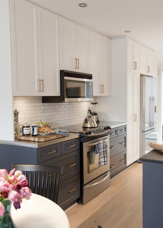 Get The Look: Brass Kitchen Cabinet Pulls: Gallery Image 3