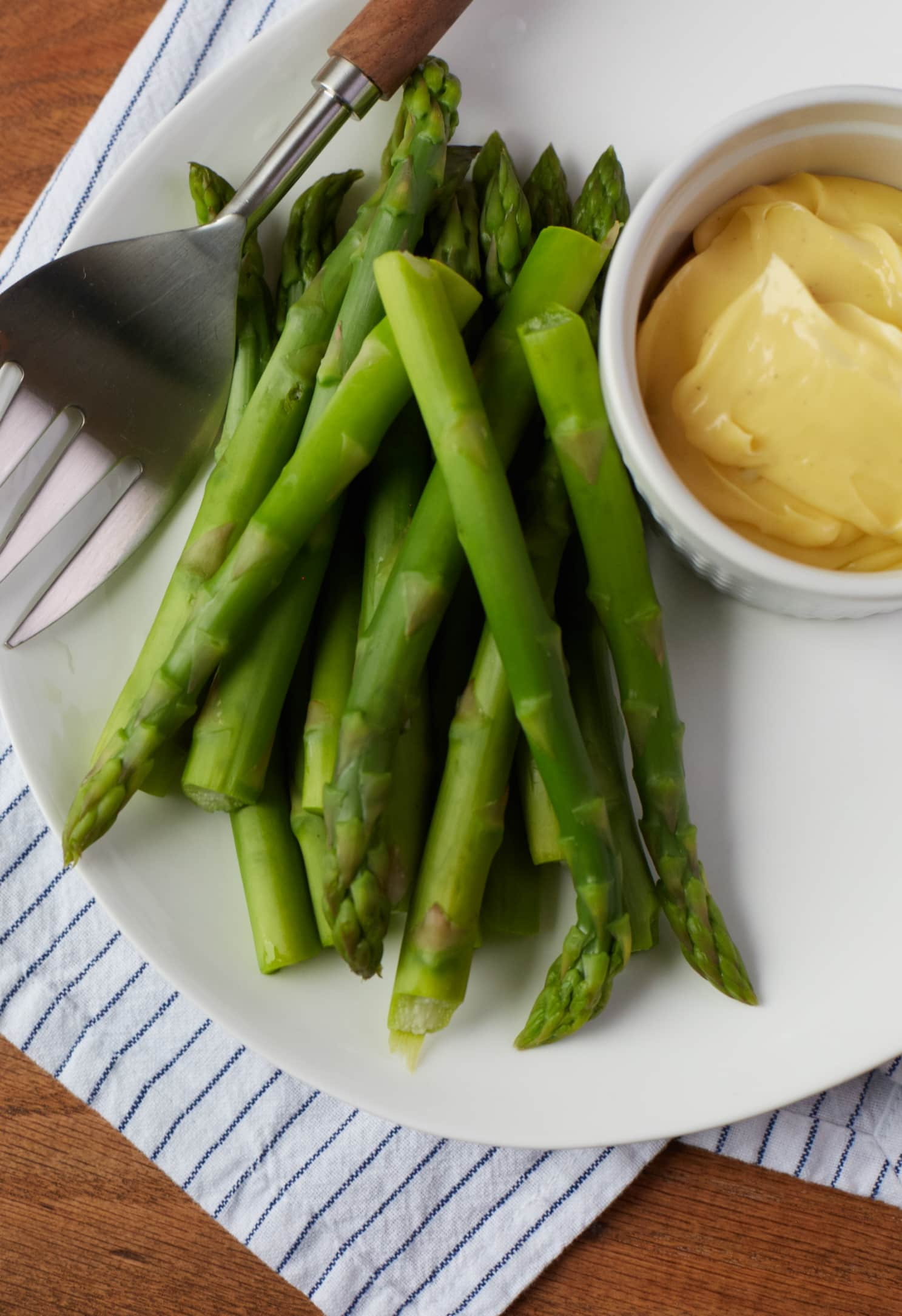 How To Blanch Asparagus: gallery image 6