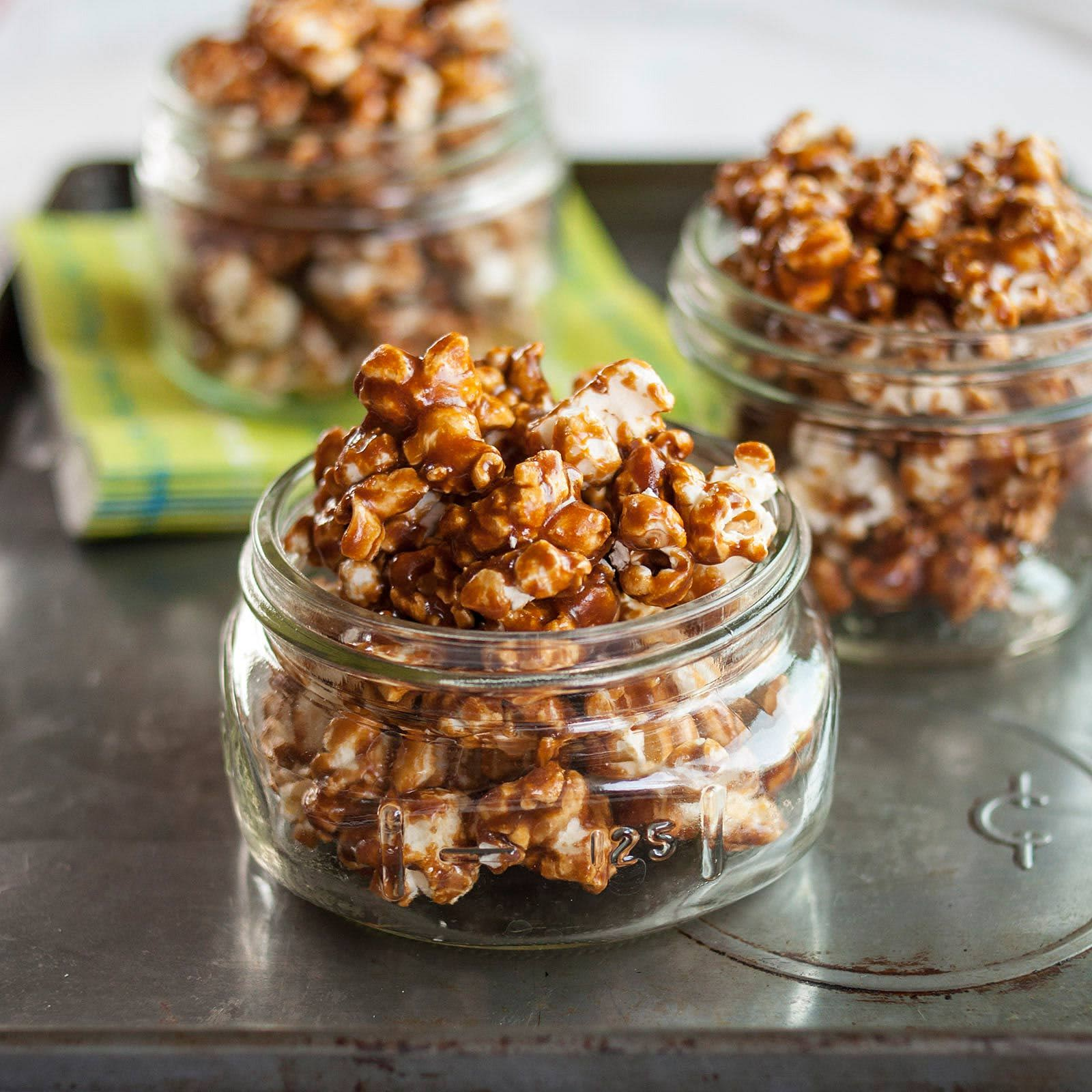 How To Make the Best Caramel Popcorn: gallery image 1