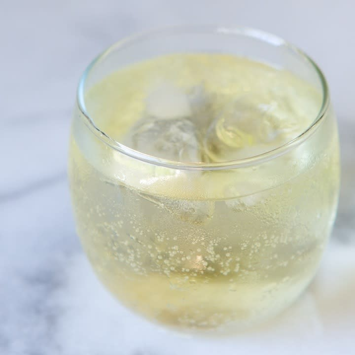 Tequila Ginger Ale: My Favorite Bar Drink