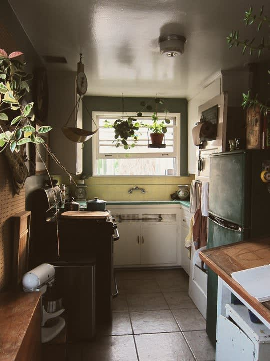 Real Kitchens That'll Inspire: 15 Small Cool Kitchens To Check Out Now!: gallery image 8