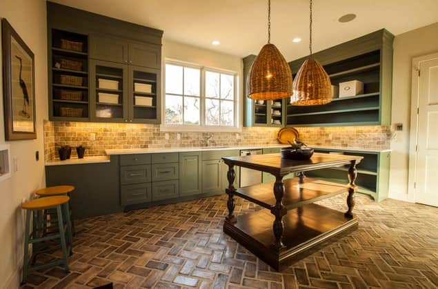 Easy Chic: Wicker Pendant Lights: gallery image 4