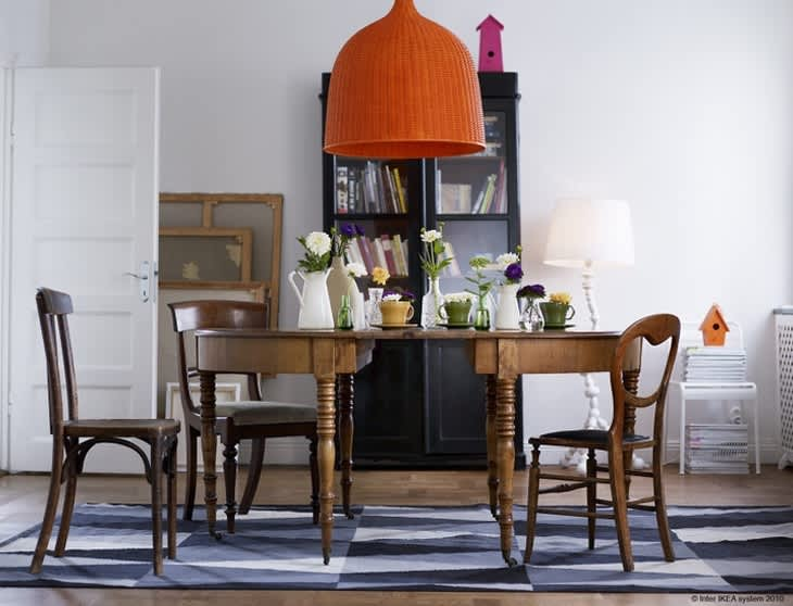 Easy Chic: Wicker Pendant Lights: gallery image 10