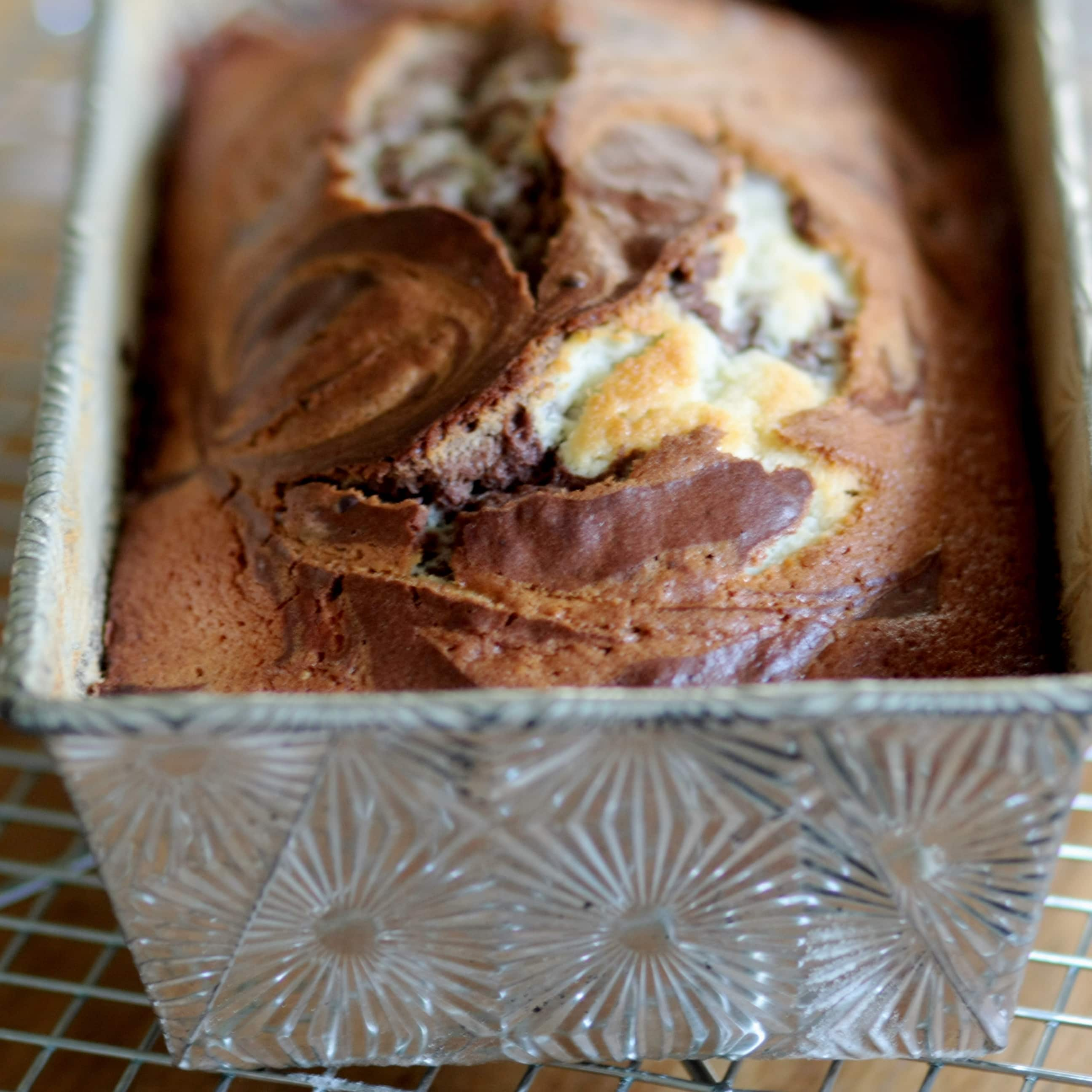 How To Make a Chocolate & Vanilla Swirled Marble Cake: gallery image 14