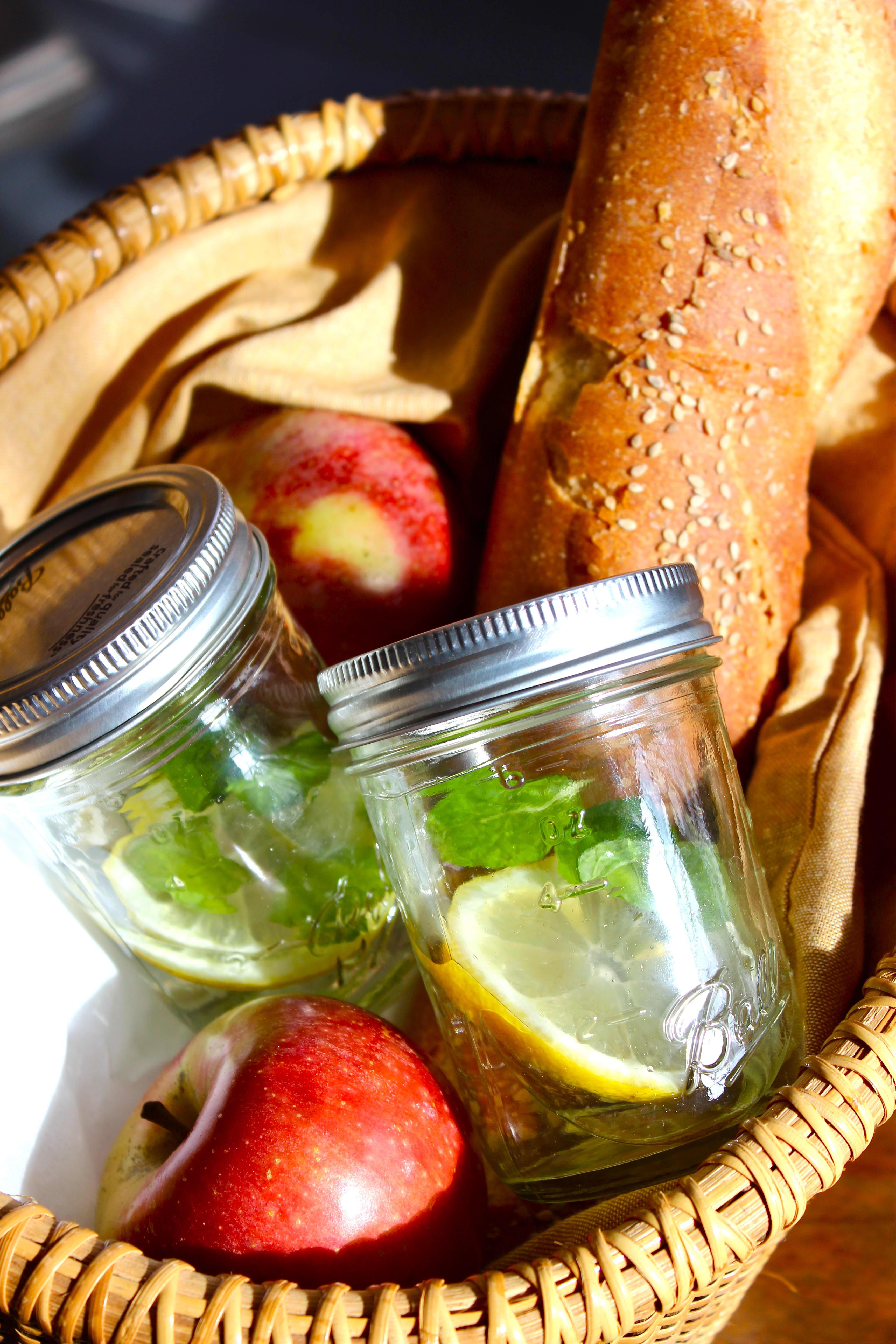 Recipe: Pineapple Honey Bee Cocktail