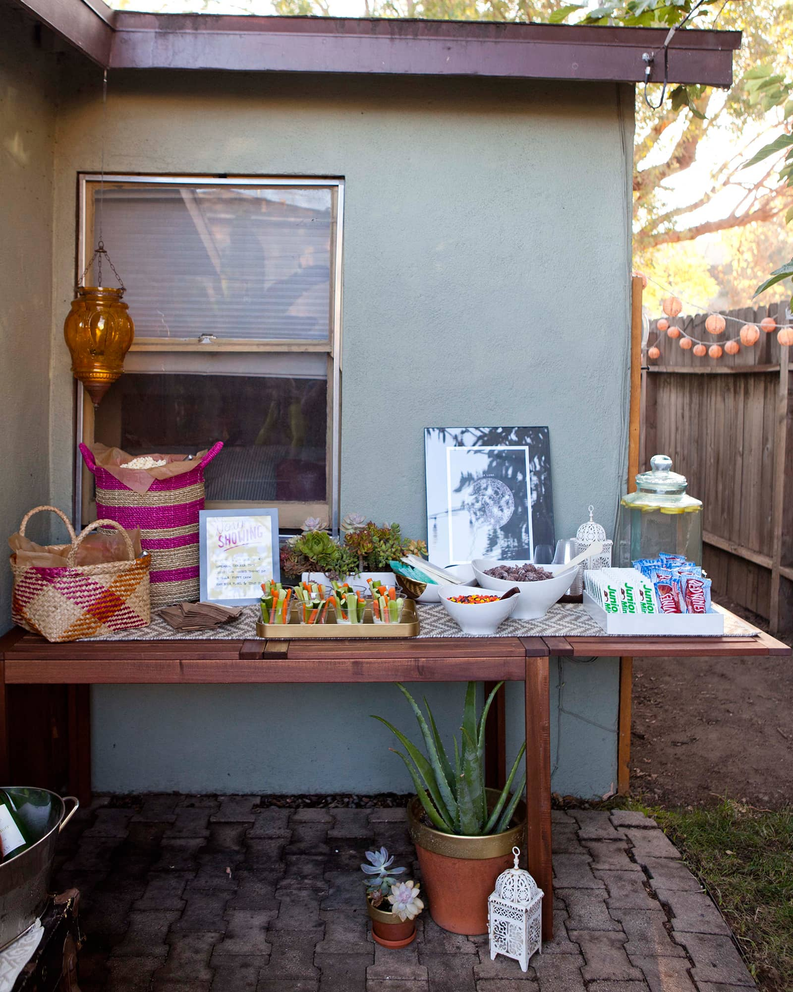 An Outdoor Movie Party: gallery image 11