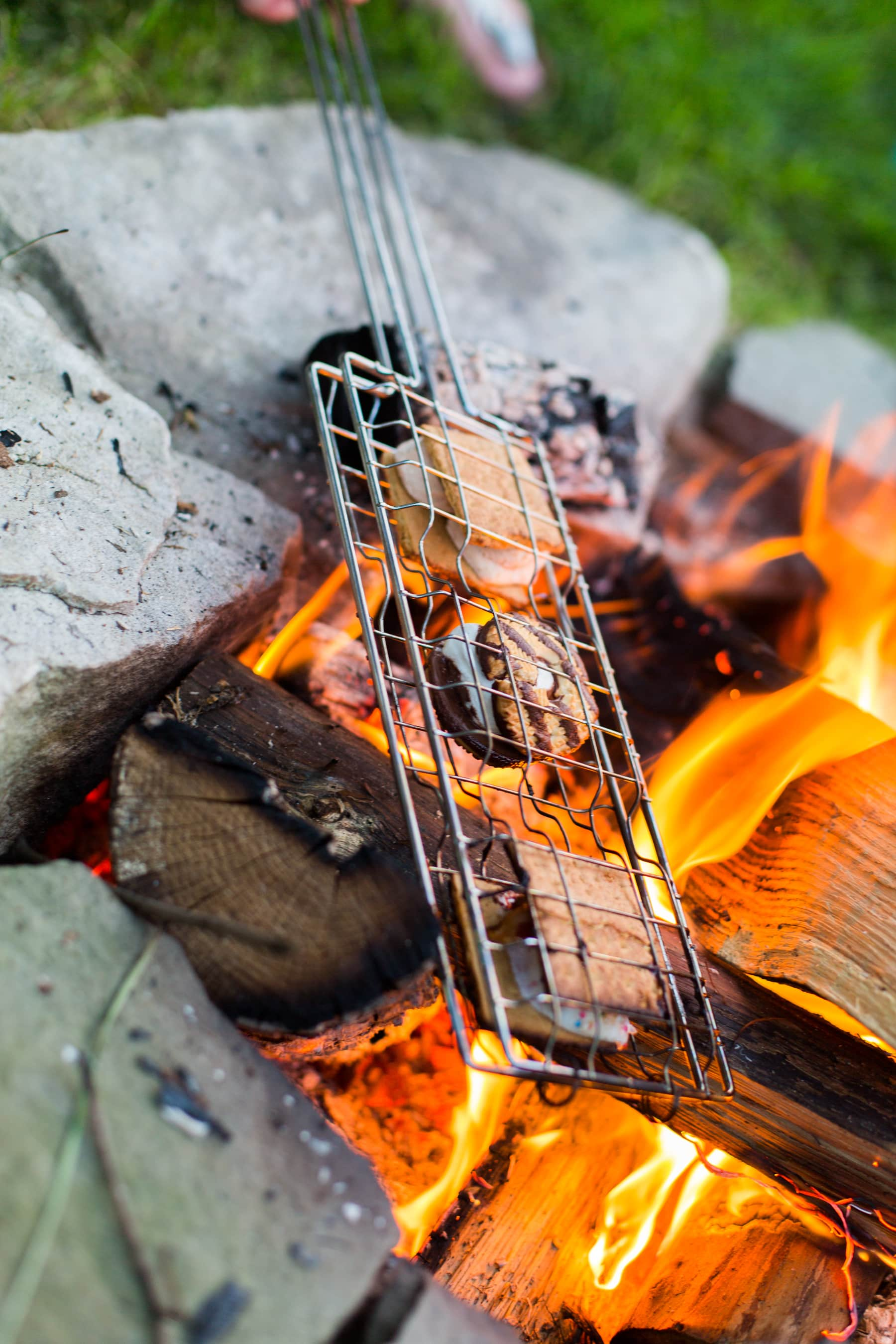 A Backyard S'mores Party: Learn From My Three Mistakes